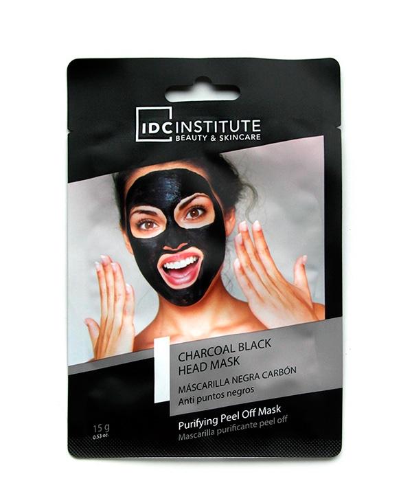 como aplicar mascarilla negra de carbon