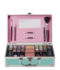 PERFECT TRAVELLER MAKE UP SET